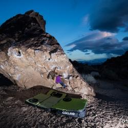 """Paula Perschmann sending """"Happy hooker V0+"""" Happy Boulders"""